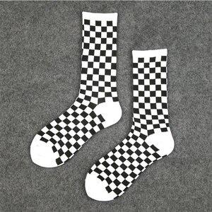 Image 3 - 1 ペアの原宿カジュアルなメンズ靴下チェック柄カラートレンド靴下国家風クリエイティブスポーツ男性の綿の靴下