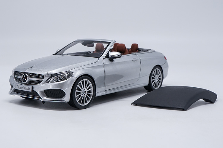 1/18 Scale Mercedes-Benz C-Class C200 Roadster Silver DieCast Car Model