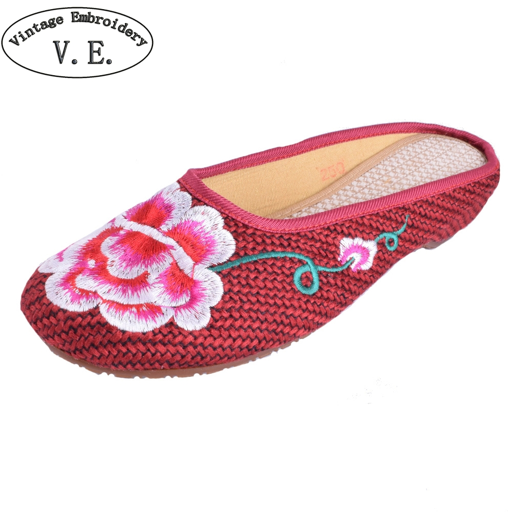 Vintage Women Slippers Old Beijing Sandals Flowers Embroidered Sandals Ethnic Soft Slip On Canvas Shoes Woman Plus Size 41 vintage women flats old beijing mary jane casual flower embroidered cloth soft canvas dance ballet shoes woman zapatos de mujer