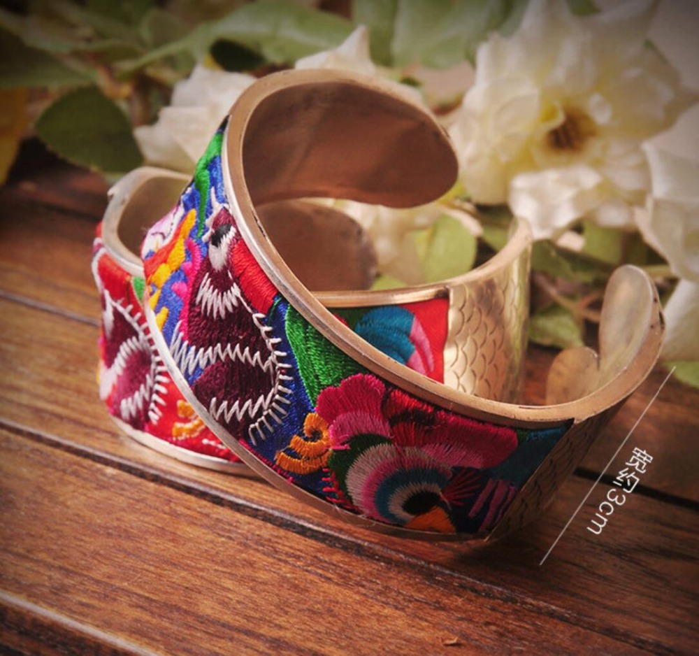 Oriental Chinese embroidered fish rivets featuring wide 100/% Handmade Miao Silver Bracelet shipping free