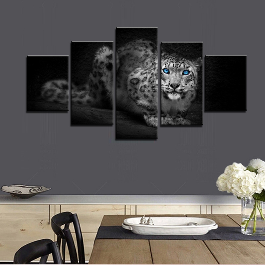 Beautiful cool leopard panthera onca blue eyes oil for Cool bathroom wall art