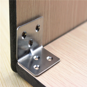 Image 4 - 20 個 38 × 30 × 1.5 ミリメートルステンレス鋼アングルコード 7 ワード固定ブラケット家具アクセサリーキャビネット右アングルコネクタ