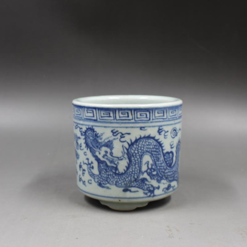 Trépied en ancienne porcelaine chinoise | Bleu-blanc, porcelaine Dragon et phénix, conteneur pour stylo