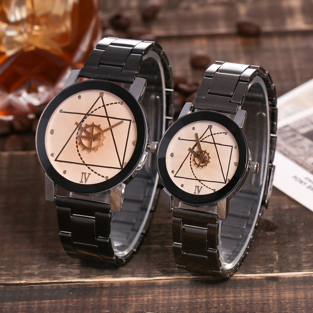 2018 new fashionable gear turntable lovers' British character alloy steel band, lovers' steel band quartz watch.