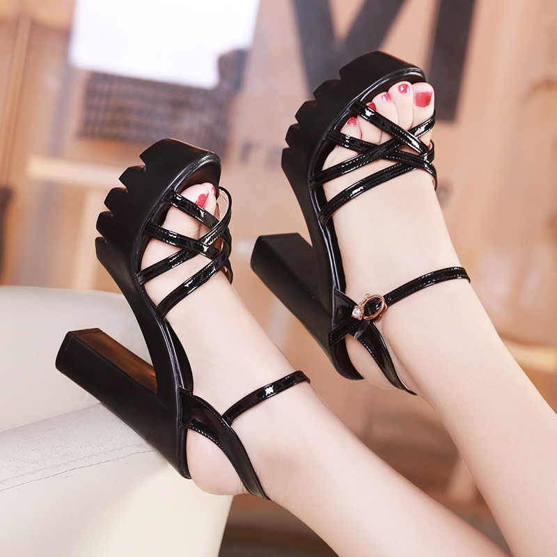 Big Size 33-43 Fashion Block Heels Platform Sandals Ladies Summer 2018 Patent Leather High Heel Sandals Prom Office Shoe Black free shipping 2016 summer patent leather square med heels sandals cover heel red black big size 33 40 41 42 43 woman shoes