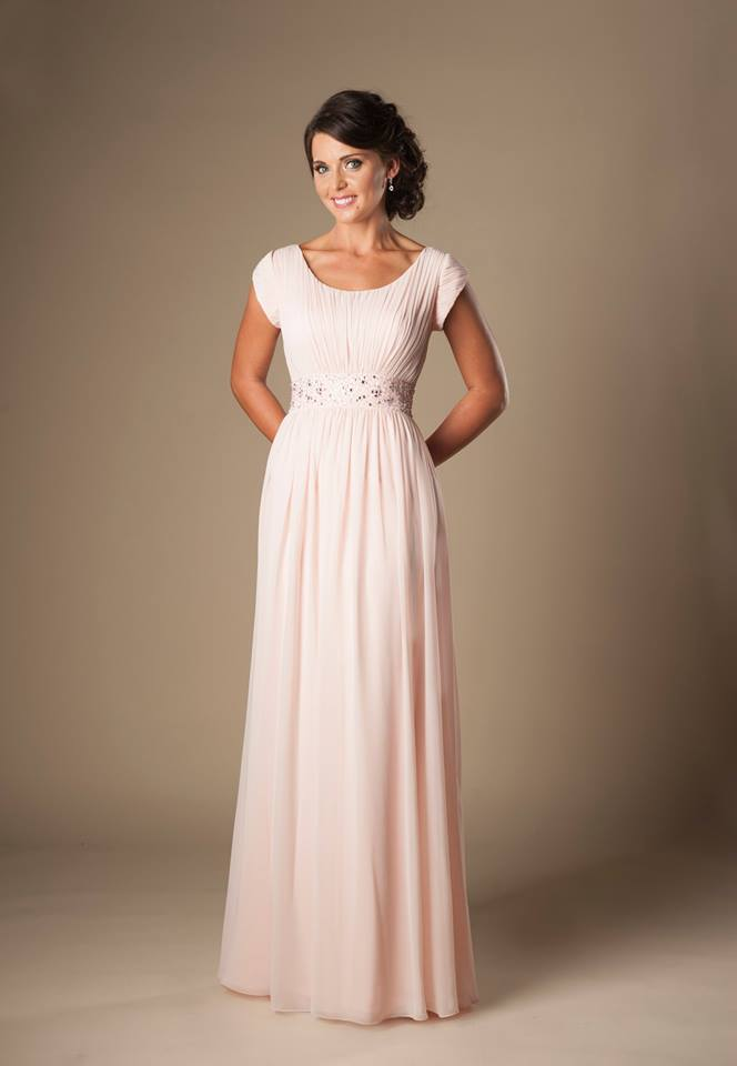 Blushing Pink Long Formal Floor Length Chiffon Beach Modest Bridesmaid Dresses With Sleeves Ruched Temple Bridesmaids Gowns