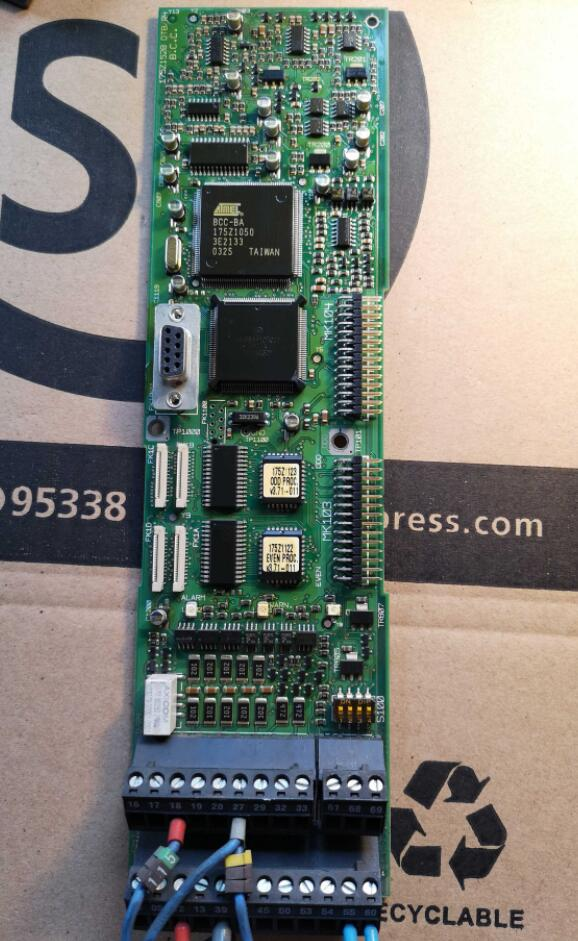Used in good condition VLT5000 175Z1528 DT8/R4  boardUsed in good condition VLT5000 175Z1528 DT8/R4  board