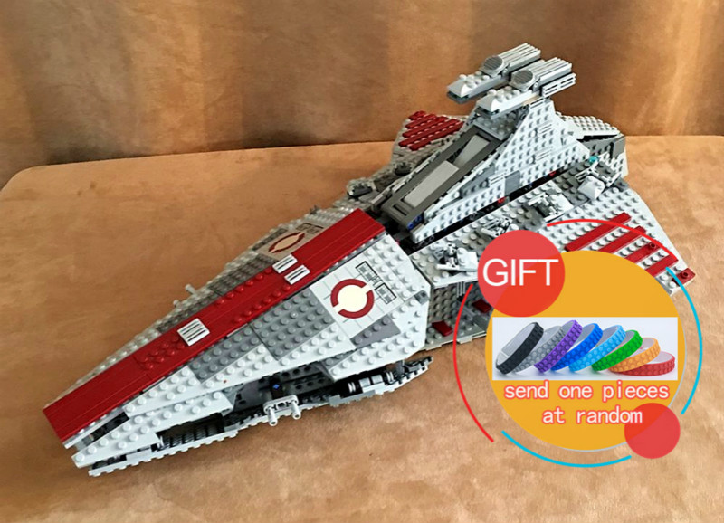 05042 1200pcs Star Classic Series Wars Republic Fighting Cruiser Set Educational Building Blocks Compatible With 8039 toys lepin 50pcs lot tn1215 600 tn1215600 to251