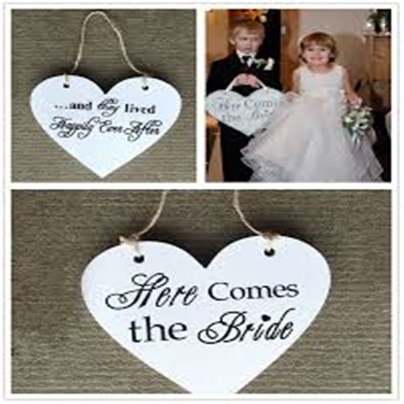 NUOLUX Here Comes the Bride Sign Classic Wooden Wedding Decoration Heart shape