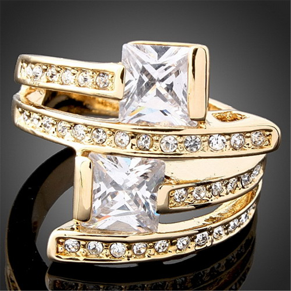 2018 New Crystal Engagement Rings for Women AAA Cubic Zircon pure gold Quality Noble Elegant Woman Ring anillos mujer