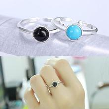 Женское кольцо из серебра 925 пробы с камнем двух цветов