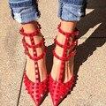 2016 Mulheres de Alta-Estilo Couro Envernizado Salto Alto Sapatos de Verão Fivela Ponta Rebite Fêmea de Luxo Casamento Vermelho Bombas Plus Size 8