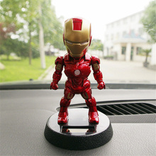 2018 Q Version Åtgärd Figur Toy Superhero Iron Man PVC Figur Solenergi Shake Head Toy 12cm Boys Gift Toys