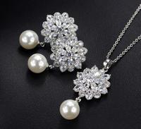 Großhandel Glitzernden Zirkonia Stein simulierte Perle blume schmuck-set für frauen Luxus engagement schmuck zubehör