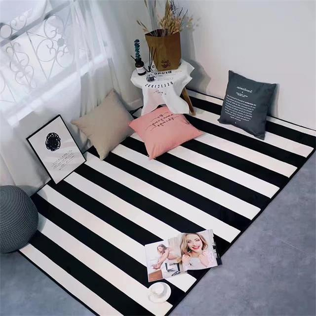 € 69.77 22% de réduction|Tapis simples noir/blanc de rayures pour des tapis  et des tapis de chambre à coucher à la maison de salon dans Tapis de ...
