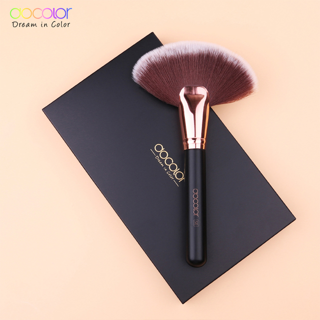 Docolor 1PCS Soft Makeup Large Fan Brush Foundation Blush Blusher Powder Highlighter Brush Powder Brushes Cosmetic Brushes 6