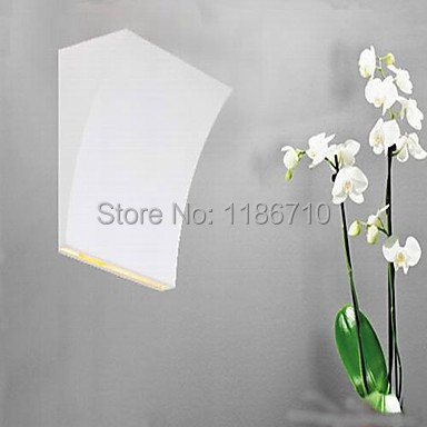 ФОТО Modern Box Wall Lights Personality Creative Bending LED Lamps Voltage modern wall light Contains the LED bulbs free shipping