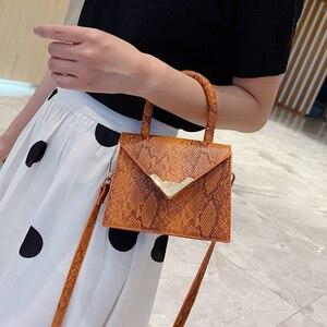 Image 2 - [BXX] حقيبة كتف واحدة للنساء حقيبة كروس مطابقة للكل 2020 حقيبة محمولة على شكل ثعبان للنساء حقيبة يد عتيقة حزمة HF206