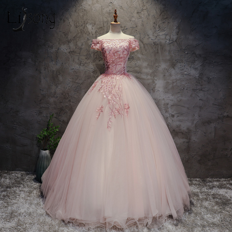 Abendkleider 2018 Retro   Prom     Dresses   Embroidery Pearls Puffy   Prom   Gowns Blush Pink Dubai Formal Party   Dress   Vintage Ball Gowns