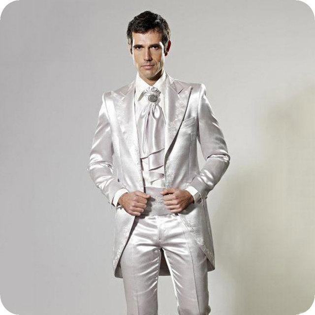 68478568a8ae54 Homens Tailcoat Ternos Smoking Do Noivo Casamento De Prata italiana 2 Peças  (Jaqueta + Calça) terno Slim Fit Blazer Homme Traje do baile de ...