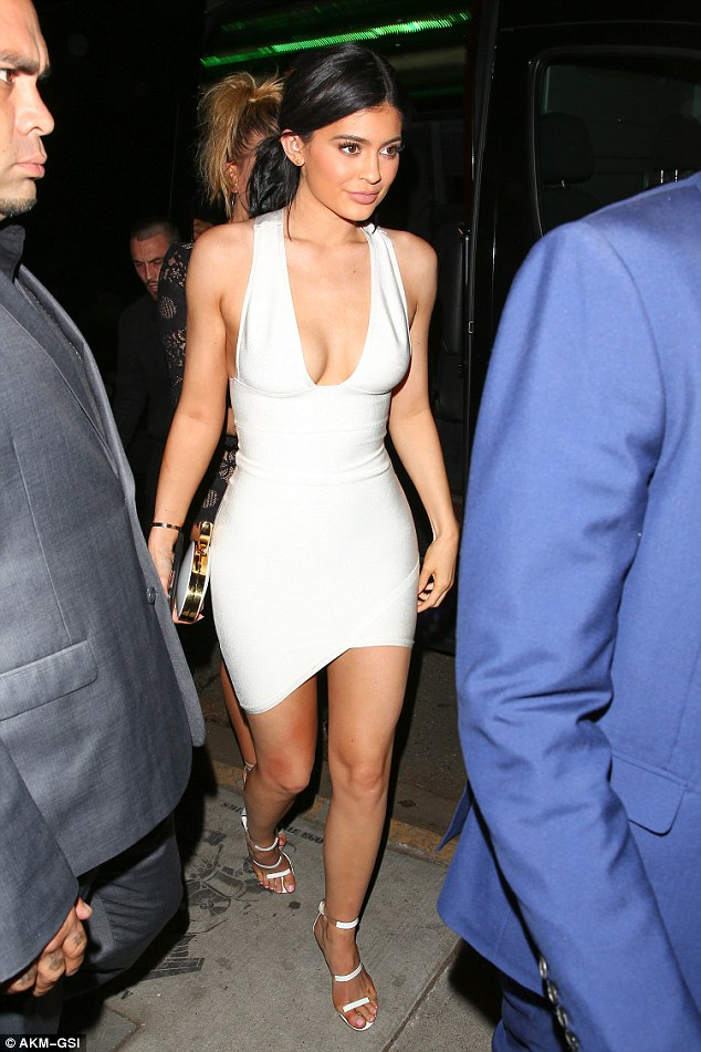 New Kylie Jenner Celebrity Party Bandage Dress Nightclub Summer Fashion White Deep V Asymmetrical Front Hem Mini Vestidos - kylie-jenner-outfits