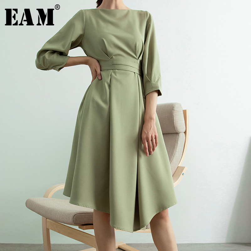 [EAM] 2020 New Spring Summer Round Neck Three-quarter Sleeve Pleated Bow Bandage Temperament Dress Women Fashion Tide JY380