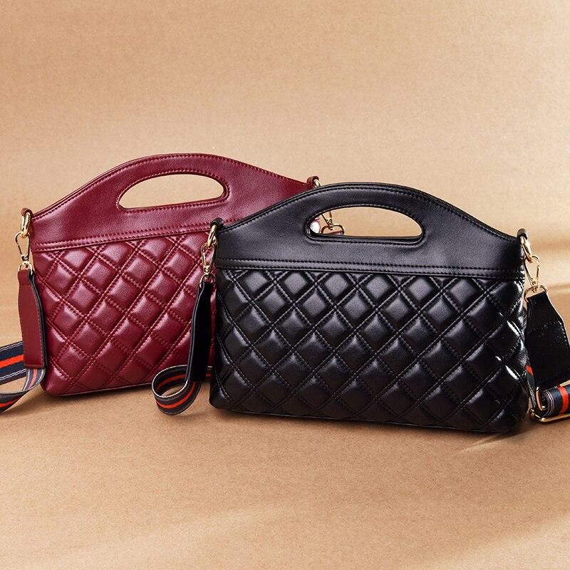 2019 Aminou Luxury Classical Black Chains Women Bag Brand Fashion Leather Handbag Diamond Lattice Lady Shoulder Crossbody Bag in Top Handle Bags from Luggage Bags