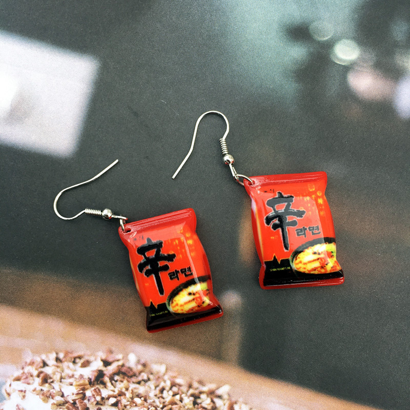 2019 New Funny Favor Small chili Food Play Drop Earrings Simple fashion personality Diy Food instant noodle earrings drop