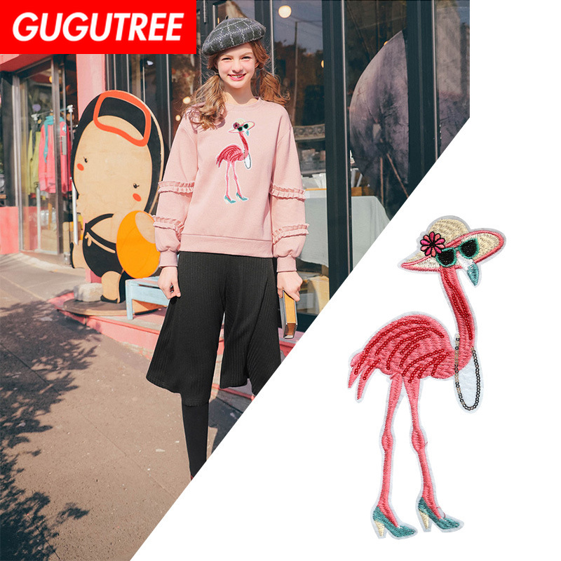 GUGUTREE embroidery Sequins big flamingo patches cartoon animal badges applique for clothing XC-23