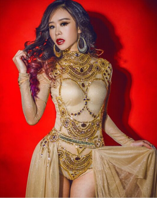 2016 western women queen sexy gold rhinestone sequin jumpsuit female singer  DJ DS dance stage costume 1d22a48fb78d