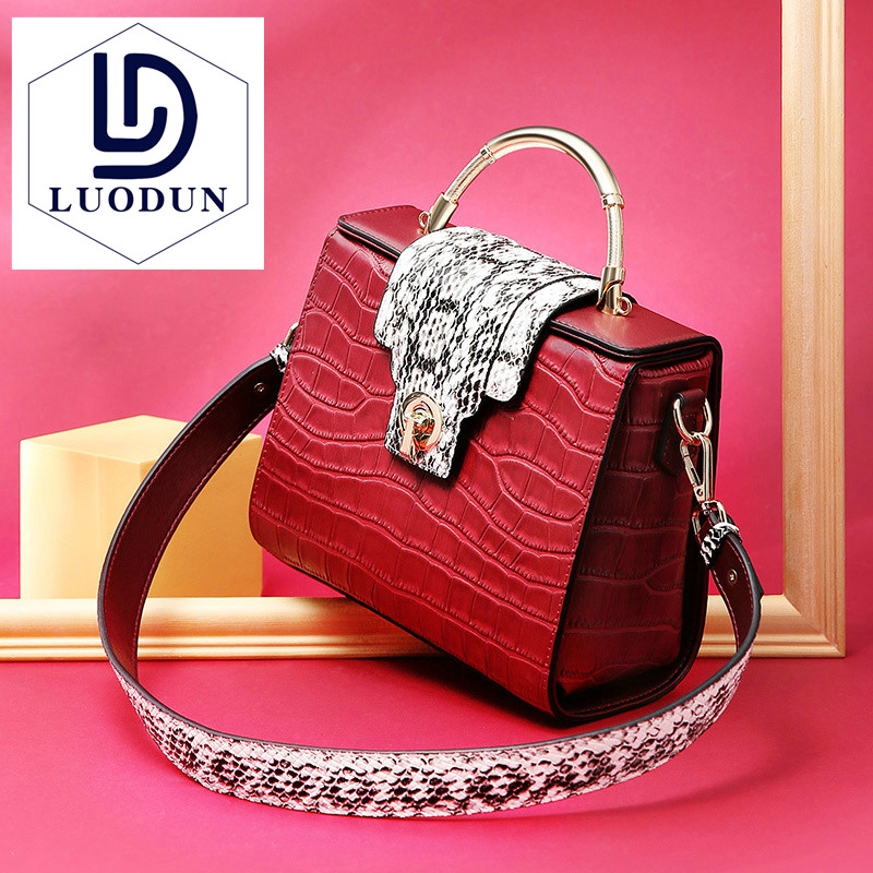 European and American leather handbags Kelly bag female crocodile pattern new shoulder bag fashion mobile Messenger bag2018new female messenger bag lingge chain shoulder bag 2016 new european and american fashion pu leather wm0079