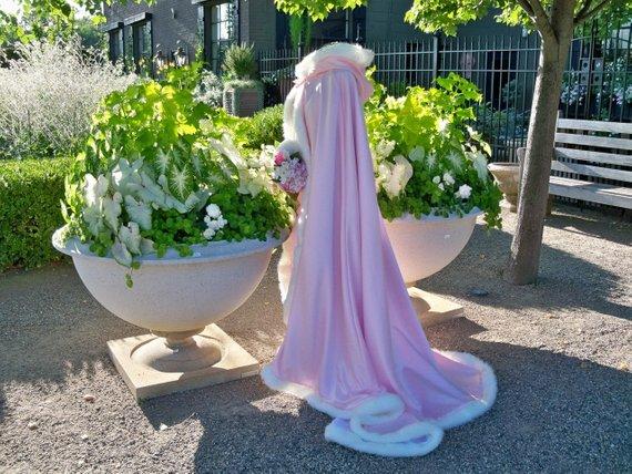 Cinderella Bridal Cape Pale-Pink Wedding Cloak Hooded Reversible Fur Trim Cape Shawl