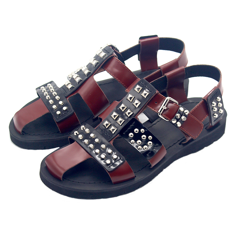 Bezaaid Romeinse schoenen Europese en Amerikaanse straat bruin lederen hand bezaaid mannen sandalen