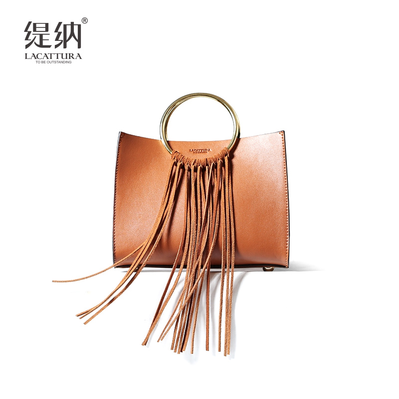 T0032 Fashion women small Tassel crossbody bags 2017 Femininas flap shoulder messenger bag ladies famous designer handbags vintage small tassel totes cover flap handbags hotsale women clutch ladies purse famous brand shoulder messenger crossbody bags