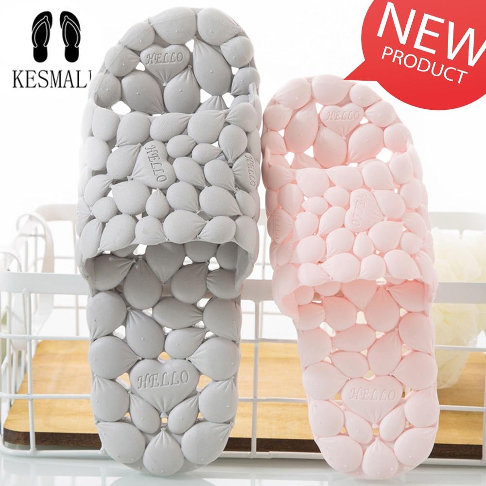 KESMALL verano de las mujeres de Casa zapatillas amantes hueco Amor de fondo suave Flip Flops de interior de los hombres de Corea baño zapatillas