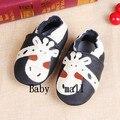 2015 de moda de cuero de vaca mocasines de suela blanda niños zapatos del bebé niña bebé recién nacido zapatos primeros caminante envío gratis