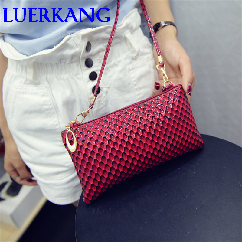 Free shipping 2017 fashion women messenger bag with quality pu font b leather b font swagger