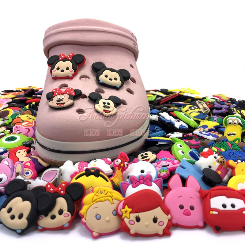 Kids Party Gifts Novelty 3pcs/set Tsum Mickey Minnie Pvc Shoe Charms,shoe Buckles Accessories Fit Bands Bracelets Croc Jibz Let Our Commodities Go To The World Shoes