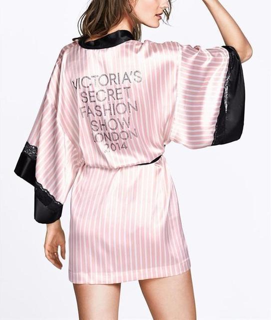 2016 Hot Sale Satin Robes Roupão de Banho sleepwear robe de seda das Mulheres de Renda preta Sexy Lingerie Rosa Listrado Sleepwear Kimono