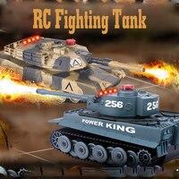 2 pçs/set 1:32 2.4G Tanque RC Brinquedo Com A Luta do Raio Infravermelho Levou Tanques de Batalha Modelo Atirar Robô de Controle remoto Brinquedos de RC para o Miúdo presente