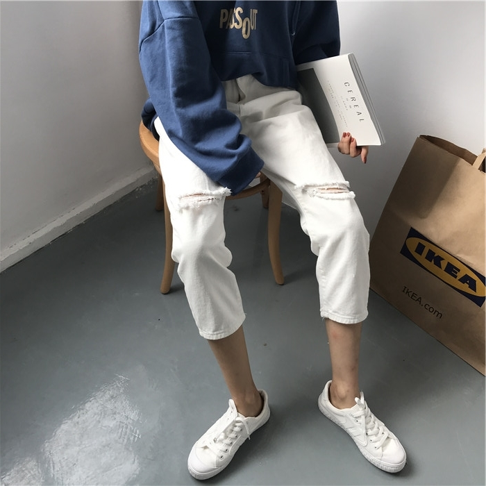 18 Summer Style Black White Hole Ripped Jeans Women Straight Denim High Waist Pants Capris Female Casual Loose Jeans 2