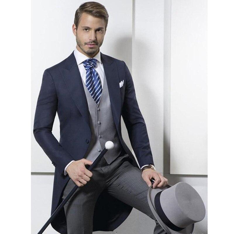 2017 personnalisé Design classique bleu marine Tailcoat marié Tuxedos hommes de mariage costume de bal vêtements hommes costumes (veste + pantalon + gilet)