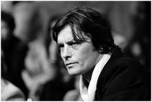 Alain Delon bonito Art Wall Decor Imprimir Silk Poster(China)