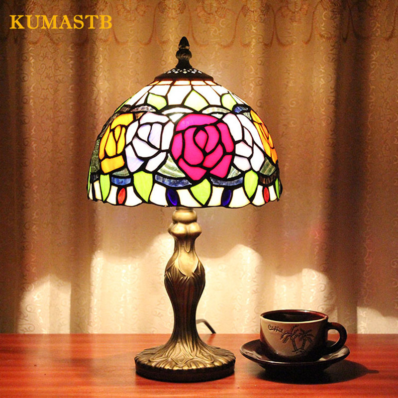 8 Inch Stained Glass Flowers Pattern Lampshade Table Lamp Bedroom Bedside Desk Lamp Creative European Romantic Rose Table Lamp
