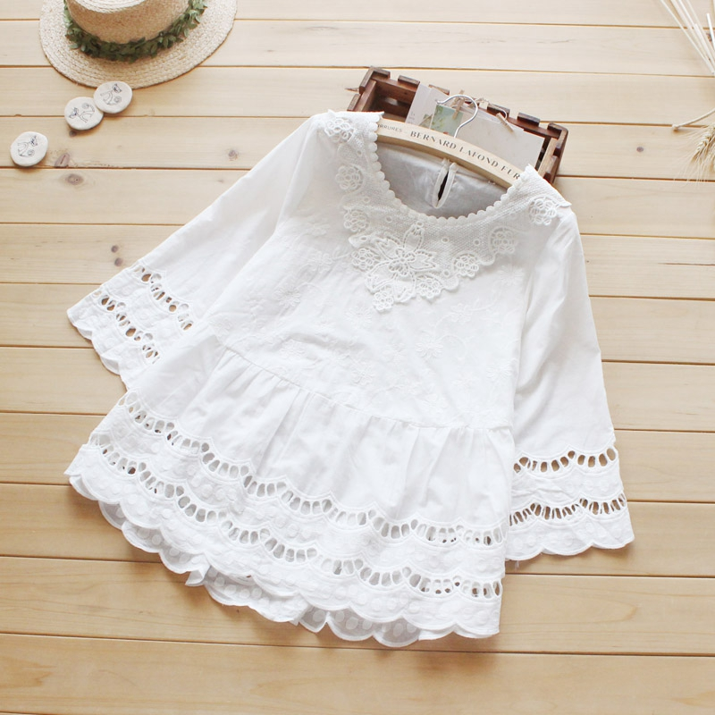 Women Sweet Casual Hollow Out Three Quarter Sleeved Crochet Lace Cotton White Female Princess Tops Shirt Blouses Mori Girl U473