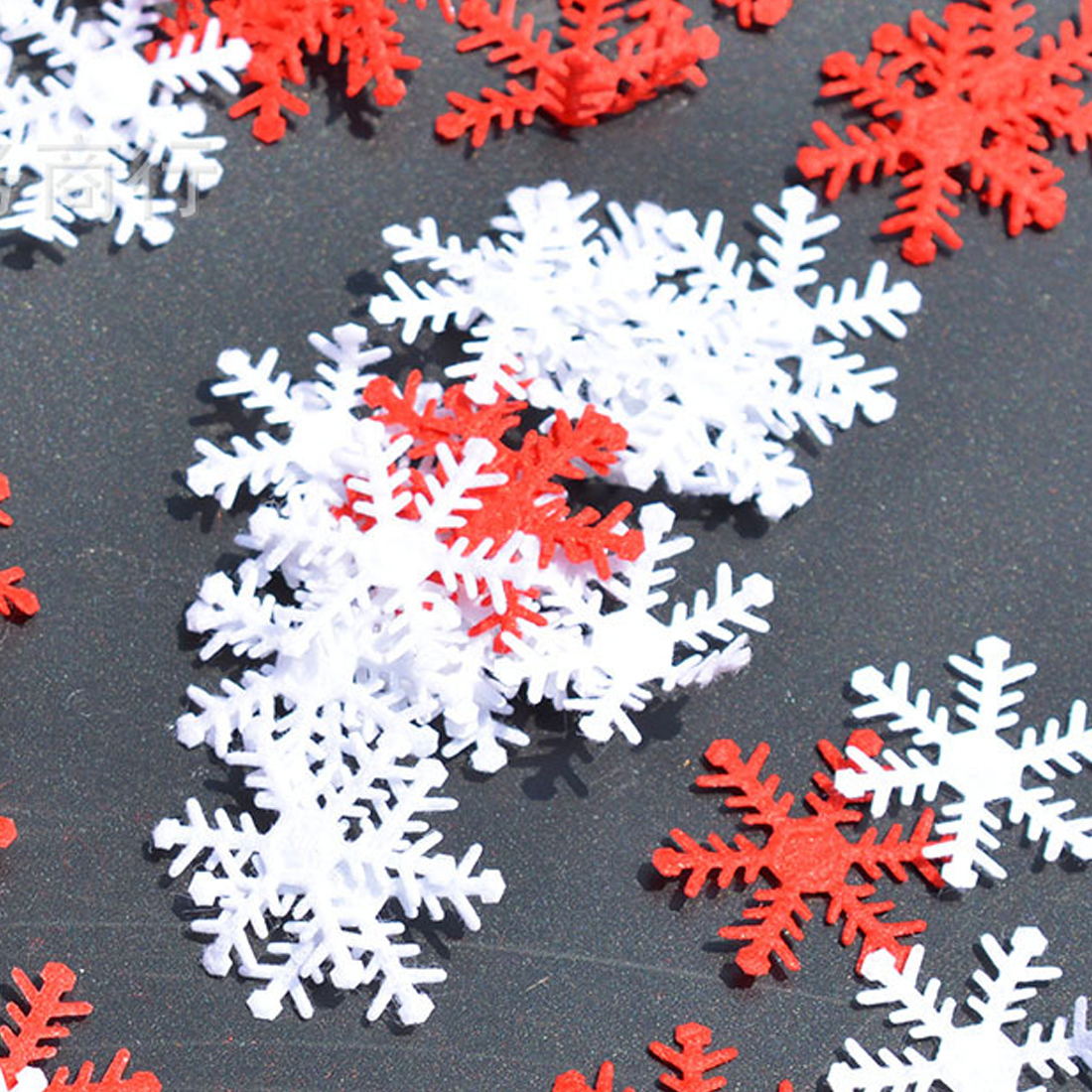 Top 100pcs Christmas Decoration Assorted Red and White Snowflake 25mm Non-woven Motif Felt