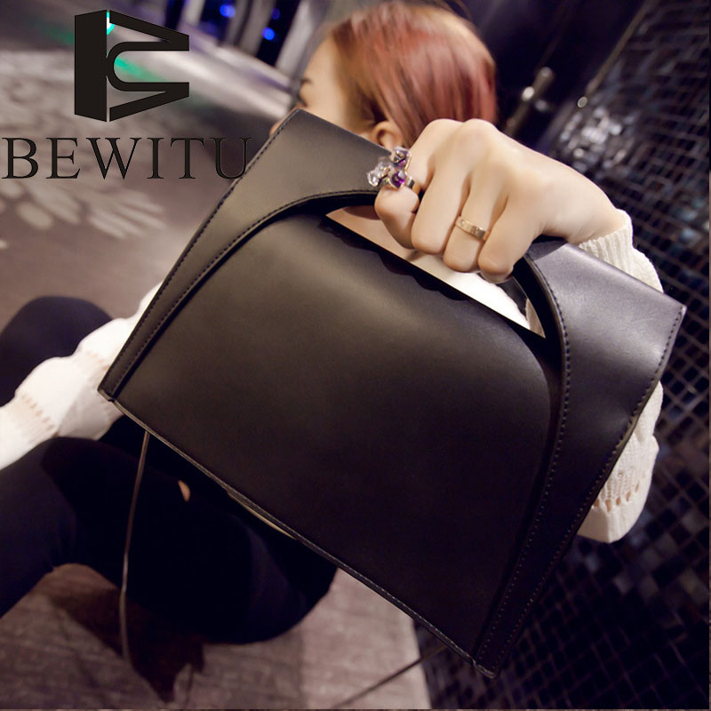 The most tide handbag women quality pu black shoulder bag 2017 European and American style fashion simple oblique cross handbag dtbg pu leather women handbag fashion european and american style totes messenger bag original design briefcase zipper 2017