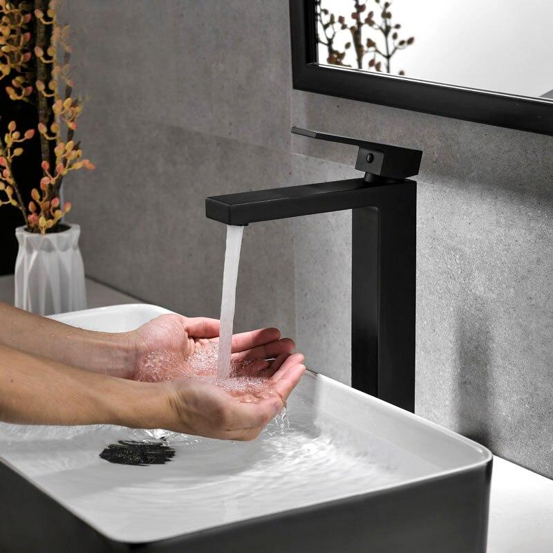Laiton noir/Chrome/or brossé robinet carré robinet de salle de bain robinet de bassin mélangeur d'eau froide et chaude mitigeur poignée unique monté sur le pont