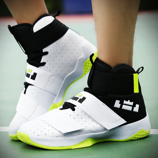 2524073259b Basketball Shoes Men Sneakers Women Breathable Superstar Men s Shoes Lover  Sports Shoes Women Chaussure Homme Zapatos De Mujer