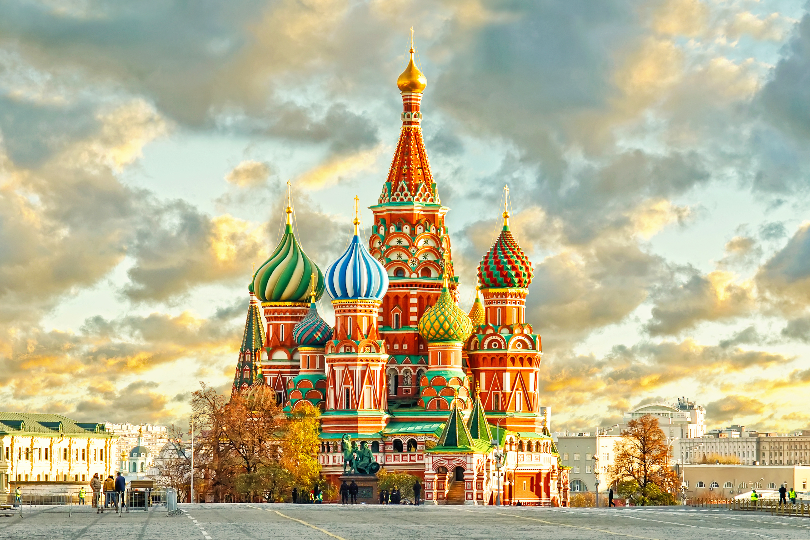 Images of Famous Colorful Russian Palace - #rock-cafe